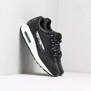 Nike Air Max 1 SE Just Do It Black Logo White 10